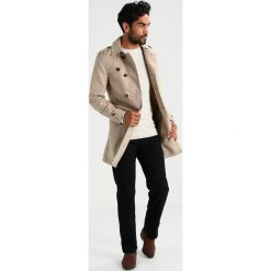Swetry męskie: Lindbergh ONECK ROLL EDGE Sweter off white