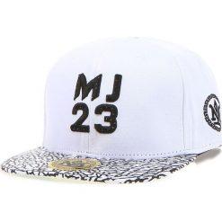 Czapka męska snapback biała (hx0191). Białe czapki z daszkiem męskie marki Dstreet, z haftami, eleganckie. Za 69,99 zł.