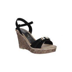 Sandały Tamaris  Sandały skórzane z ozdobami  1-28348-28. Szare sandały damskie marki Tamaris, z materiału, na sznurówki. Za 159,99 zł.
