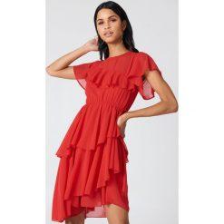 Sukienki: NA-KD Boho Asymetryczna sukienka z falbaną - Red