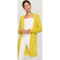 Swetry damskie: Długi kardigan z kieszeniami – Zielony
