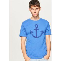 T-shirty męskie: T-shirt z marynistycznym motywem – Niebieski