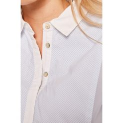 Pepe Jeans - Koszula Leoneta. Szare koszule jeansowe damskie Pepe Jeans, l, w paski, casualowe, z klasycznym kołnierzykiem, z długim rękawem. W wyprzedaży za 249,90 zł.