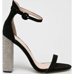 Public Desire - Sandały. Białe sandały damskie na słupku marki Graceland, w kolorowe wzory, z materiału. Za 169,90 zł.
