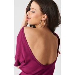 NA-KD Basic T-shirt z odkrytymi plecami - Purple. Różowe t-shirty damskie marki NA-KD Basic, z bawełny. W wyprzedaży za 26,48 zł.