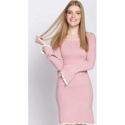 Różowa Sukienka Ball Gowns. Czerwone sukienki dzianinowe Born2be, na jesień, l. Za 89,99 zł.