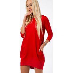 Czerwona sukienka z aplikacją na plecach 3661. Białe sukienki marki Fasardi, l. Za 59,00 zł.