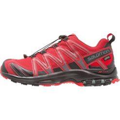 Salomon XA PRO 3D GTX Obuwie do biegania Szlak red dahlia. Czerwone buty do biegania męskie marki Salomon, z gumy. Za 699,00 zł.