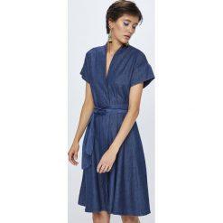 Medicine - Sukienka Rustic Indigo. Niebieskie sukienki mini MEDICINE, na co dzień, s, z bawełny, casualowe, z krótkim rękawem, proste. W wyprzedaży za 69,90 zł.
