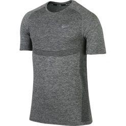 Koszulka do biegania męska NIKE DRI-FIT KNIT SHORT SLEEVE / 717758-010 - koszulka do biegania męska NIKE DRI-FIT KNIT SHORT SLEEVE. Szare koszulki sportowe męskie marki Nike, m, do biegania, dri-fit (nike). Za 179,00 zł.