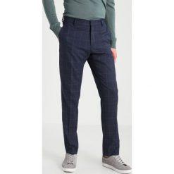 Selected Homme SHXONE TADWICK Garnitur blue nights. Niebieskie garnitury Selected Homme, z elastanu. W wyprzedaży za 794,25 zł.