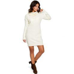 Ecru Długi Sweter- Sukienka z Szerokim Golfem. Szare długie sukienki marki Molly.pl, uniwersalny, ze splotem, eleganckie, z golfem, z długim rękawem, proste. Za 115,90 zł.