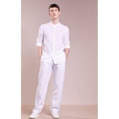 Chinosy męskie: 120% Lino PANTALONE UOMO Spodnie materiałowe white