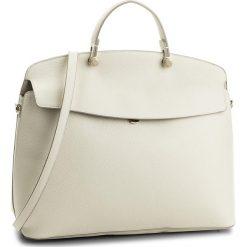 Torebka FURLA - My Piper 942180 B BMU5 OAS Petalo. Białe torebki klasyczne damskie Furla, ze skóry. W wyprzedaży za 1429,00 zł.