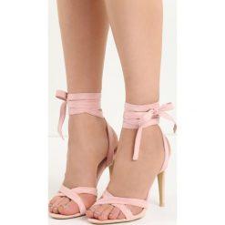 Różowe Sandały Raspberry. Czerwone sandały damskie marki Born2be, z materiału, na wysokim obcasie, na obcasie. Za 69,99 zł.