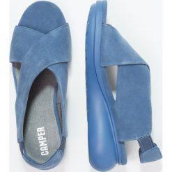 Camper BALLOON Sandały na platformie lagoon. Niebieskie rzymianki damskie Camper, z materiału, na koturnie. Za 529,00 zł.