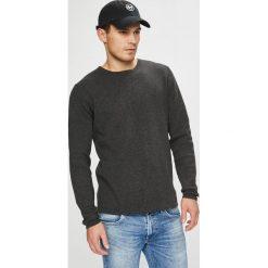 Casual Friday - Sweter. Czarne swetry klasyczne męskie Casual Friday, l, z bawełny, z okrągłym kołnierzem. W wyprzedaży za 179,90 zł.