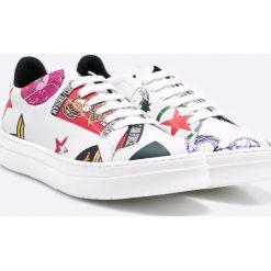 Hego's - Buty. Szare buty sportowe damskie marki adidas Originals, z gumy. W wyprzedaży za 239,90 zł.
