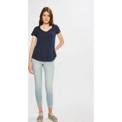 Calvin Klein Jeans - Jeansy CKJ 001. Niebieskie jeansy damskie rurki marki Calvin Klein Jeans, z bawełny. W wyprzedaży za 399,90 zł.
