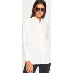 Biała koszula - Biały. Białe koszule damskie marki Reserved, l, z dzianiny. Za 89,99 zł.