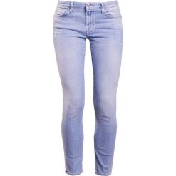 7 for all mankind PYPER CROPPED Jeansy Slim Fit illusion breeze. Niebieskie jeansy damskie relaxed fit 7 for all mankind, z bawełny. W wyprzedaży za 603,85 zł.