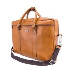 Skórzana torba na ramię laptopa Solier MARCEL Camel. Brązowe torby na ramię męskie marki Solier, w paski, ze skóry. Za 499,00 zł.