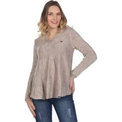 Swetry klasyczne damskie: Sweter w kolorze jasnobrązowym
