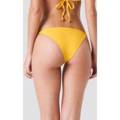 J&K Swim X NA-KD Dół bikini z cienkimi paskami - Yellow. Żółte bikini marki NABAIJI. Za 52,95 zł.