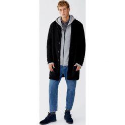 Bluza z piki z kapturem. Czarne bluzy męskie rozpinane marki Pull&Bear, m. Za 89,90 zł.