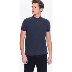 T-SHIRT MĘSKI POLO ZE STÓJKĄ. Czarne koszulki polo Top Secret, na lato, m, z krótkim rękawem. Za 34,99 zł.