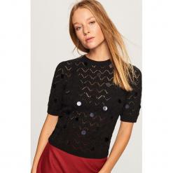 Ażurowy sweter - Czarny. Białe swetry klasyczne damskie marki Reserved, l, z dzianiny. Za 119,99 zł.