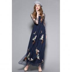 Sukienka w kolorze granatowym. Niebieskie długie sukienki marki Zeraco, z dekoltem na plecach. W wyprzedaży za 279,95 zł.