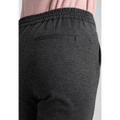 Spodnie dresowe damskie: Vero Moda Tall VMEVA LOOSE STRING PANTS  Spodnie treningowe dark grey melange