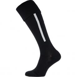 Getry piłkarskie - MA732052BK. Czarne skarpetogetry piłkarskie marki New Balance, z elastanu. Za 49,99 zł.