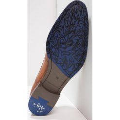 Floris van Bommel Eleganckie buty cognac. Brązowe buty wizytowe męskie Floris van Bommel, z materiału, na sznurówki. Za 1009,00 zł.