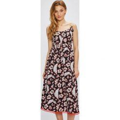 Tommy Hilfiger - Sukienka Petra. Szare sukienki na komunię marki TOMMY HILFIGER, na co dzień, z bawełny, casualowe, na ramiączkach, midi, rozkloszowane. W wyprzedaży za 539,90 zł.