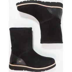 Panama Jack STEFFANY Botki na platformie black. Czarne buty zimowe damskie Panama Jack, z materiału, na platformie. W wyprzedaży za 449,40 zł.