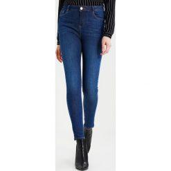 Dorothy Perkins SHAPING Jeans Skinny Fit midwash. Niebieskie jeansy damskie Dorothy Perkins. W wyprzedaży za 125,40 zł.