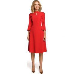 MALERIE Sukienka z łezką w dekolcie i rozkloszowanymi rękawami - czerwona. Czerwone sukienki Moe, s, dopasowane. Za 159,90 zł.