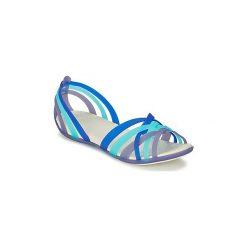 Sandały Crocs  HUARACHE FLAT. Niebieskie rzymianki damskie Crocs. Za 153,30 zł.
