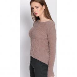 Khaki Sweter Different At All. Brązowe swetry klasyczne damskie Born2be, xl, z okrągłym kołnierzem. Za 49,99 zł.