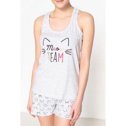 Piżamy damskie: Piżama ze spodenkami z nadrukiem kota