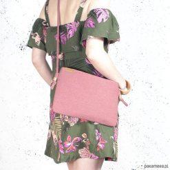 Kopertówki damskie: Nodo Bag różowa torebka / kopertówka z paskiem