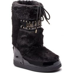 Śniegowce LOVE MOSCHINO - JA24052G06JS0000 Nero. Czarne buty zimowe damskie marki Love Moschino, z materiału, na niskim obcasie. Za 719,00 zł.