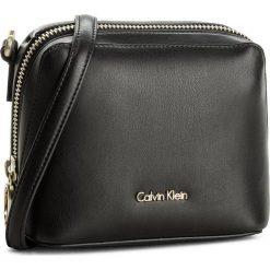 Torebka CALVIN KLEIN BLACK LABEL - Rev Small Crossbody K60K603863 001. Czarne listonoszki damskie marki Calvin Klein Black Label, z materiału. Za 449,00 zł.