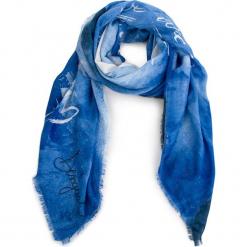 Chusta DESIGUAL - 18WAIF02 5054. Niebieskie chusty damskie Desigual, z materiału. W wyprzedaży za 179,00 zł.