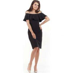 Czarna Wizytowa Sukienka Carmen z Falbanką. Brązowe sukienki koktajlowe marki Mohito, l, z kopertowym dekoltem, kopertowe. Za 119,90 zł.