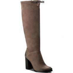 Kozaki CARINII - B4048 H28-000-PSK-C47. Brązowe buty zimowe damskie marki Carinii, z nubiku, na obcasie. W wyprzedaży za 319,00 zł.