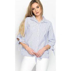Granatowa Koszula Stripy Pearled. Szare koszule wiązane damskie marki Born2be, s, w paski, klasyczne, z klasycznym kołnierzykiem. Za 39,99 zł.