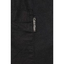 Calvin Klein Jeans - Szorty. Czarne spodenki jeansowe męskie marki Calvin Klein Jeans, casualowe. W wyprzedaży za 199,90 zł.